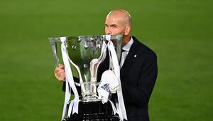 34. La Liga şampiyonluğunu kazanan Real Madrid, toplam kupa sayısını 91e çıkardı