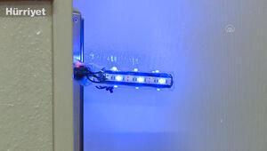 Öğretmenler kendini dezenfekte eden akıllı kapı kolu tasarladı