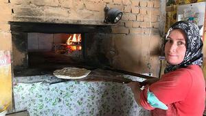 Kahramanmaraşta kadınların yaptığı çardak ekmeği yoğun ilgi görüyor