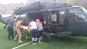 Kaçkar Dağına tırmanırken yaralanan dağcı, askeri helikopterle kurtarıldı
