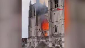 Fransada Nantes Katedralinde yangın