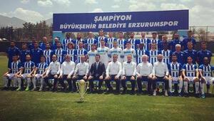 BB Erzurumspor kupayla poz verdi