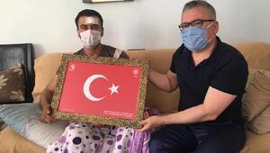 Vali Şimşek, operasyonda yaralananpolis memurunu ziyaret etti