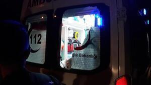 Kavgada yaralandı, yumrukla gelen ambulansın camını kırdı