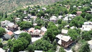 Tarihi Tamzara Mahallesi kültürel ve doğal güzelliklerini ziyaretçilere sunuyor