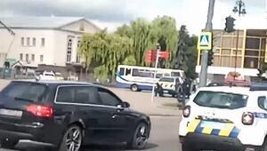 Ukrayna'da rehine krizi: Yolcu otobüsünde 20 kişiyi rehin aldı, polis dronuna ateş açtı