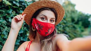 Hem Maske Takıp Hem Cilt Sorunlarını Önlemenin Yolları