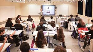 Özel okullara kayıt telaşı sürüyor