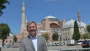 Ayasofyada kayıp eserler var iddialarına İstanbul Kültür ve Turizm Müdüründen yanıt