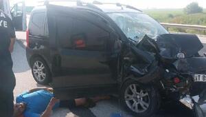 Adanada feci kaza 1 kişi öldü, 2 kişi ağır yaralı