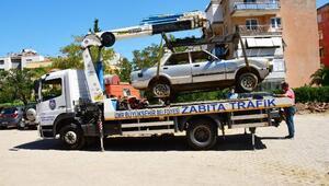 Narlıderede hurda araçlar toplanıyor