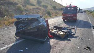 Kayseride otomobil ve kamyonet çarpıştı: 1 ölü, 5 yaralı