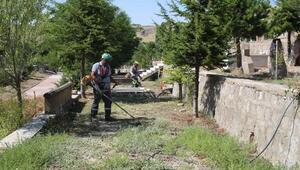 Melikgazide bayram öncesi mezarlıklar temizleniyor