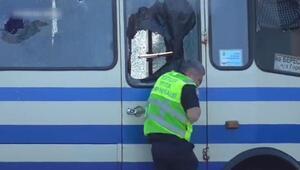Ukrayna'da 13 kişiyi rehin alan saldırganın ateş açma anı kamerada
