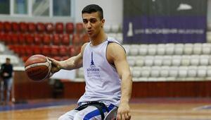 İzmir BŞB'de MVP Ahmet Efetürk yuvada kaldı