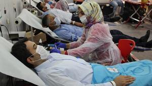 Silopi Kaymakamı Kurucadan kan bağışı