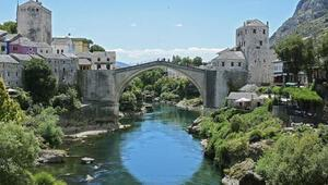 Tarihi Mostar Köprüsünün yeniden açılışının 16. yılı