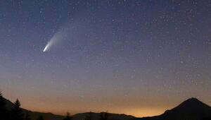 6 bin 800 yılda bir görülen kuyruklu yıldız fotoğraflandı