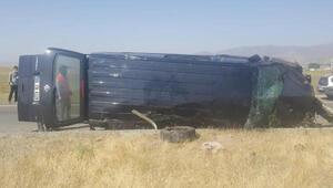 Ağrıda bayram yolunda feci kaza 3 ölü 6 yaralı