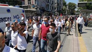 Tramvay seferleri durunca binlerce kişi Ayasofya Camiine yürüdü