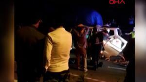 Kamyona çarpan hafif ticari araçtaki 4 kişi öldü