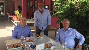 Aziz Yıldırım ve Cenk Başak, Turgut Aslan ile yemekte buluştu