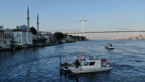 İstanbul Boğazında kaçak midye avcılarına operasyon