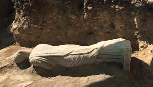 Perge Antik Kenti'nde kadın heykeli bulundu