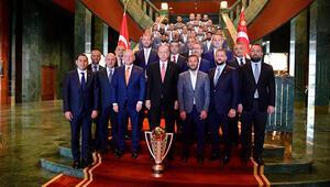 Cumhurbaşkanı Erdoğan, şampiyon Başakşehiri kabul etti: Sizinle gurur duydum