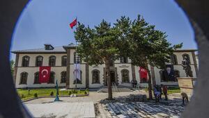 Cumhuriyetin sembol binalarından Erzurum Kongre ve Milli Mücadele Müzesi
