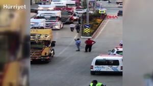 Düğün konvoyuna TIRlarla katılan sürücüler, trafiği birbirine kattı