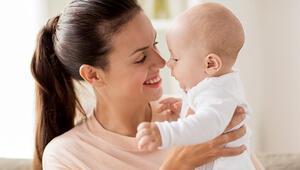 Bebek sahibi olanlar bel ve sırt ağrılarından korunmak için nelere dikkat etmeli
