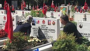 Edirnekapı Şehitliğinde bayram ziyareti