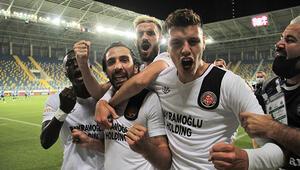 Son Dakika | Fatih Karagümrük, Süper Lige yükseldi Adana Demirspor penaltılarda yıkıldı