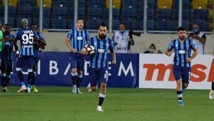 Adana Demirsporda Erkan Zengin ve Kurtuluşun dikkat çeken penaltı kararı