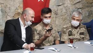 Bakan Soylu, Şırnakta askerlerin bayramını kutladı