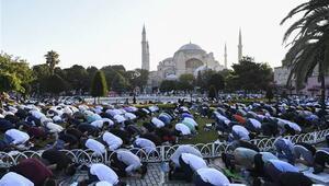 Ayasofyada ilk bayram namazı Kurban Bayramı kutlanıyor