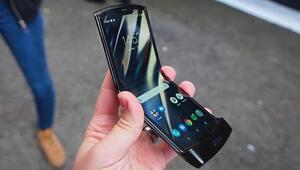Motorolanın ekranı katlanabilen telefonu böyle görüntülendi