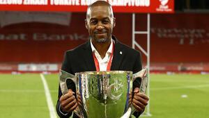 Son dakika | Trabzonsporun yeni teknik direktörü Eddie Newton oldu