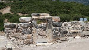 Kibyrada ilk defa bazilikal planlı kilise bulundu