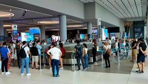 İstanbul Havalimanında bayram tatili dönüş yoğunluğu