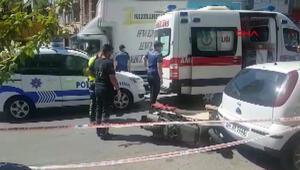 Fatihte itfaiye aracının altında kalan motosikletli kurye öldü