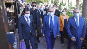 İzmirde protokolün katılımıyla koronavirüs denetimi
