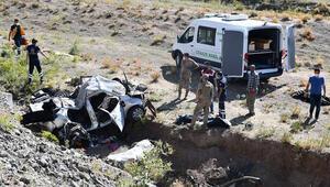Feci kaza: 2si çocuk 3 kişi öldü
