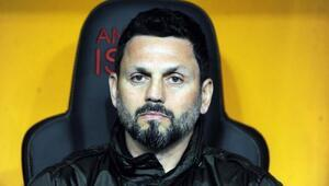 Fenerbahçenin teknik direktörü Erol Buluttan canlı yayında flaş sözler Caner, Gökhan, Novak ve Mert Hakan transferleri...