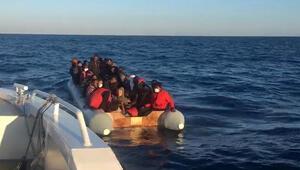Yunanistan tarafından Türk karasularına itilen 44 göçmen kurtarıldı
