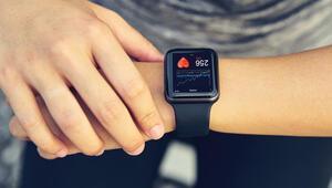 Saatler akıllandı, analog saatler için zaman daralıyor