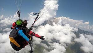 Tahtalı Dağı zirvesinden paraşüt uçuşları başladı