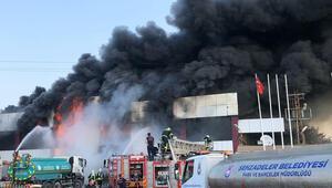 Manisadaki fabrikada büyük yangın