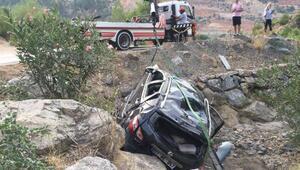 Kozan'da otomobil şarampole yuvarlandı: 3 yaralı